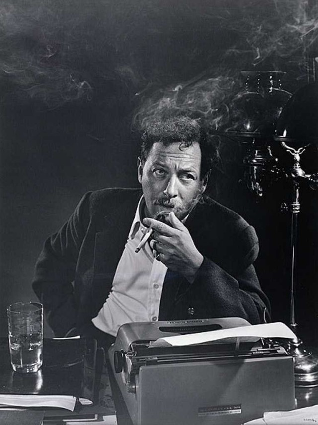 tennessee williams at typewriter
