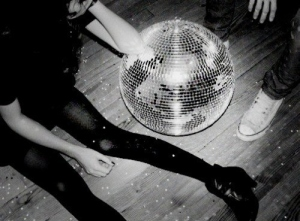 black-and-white-disco-ball-female-floor-girl-legs-Favim.com-57723