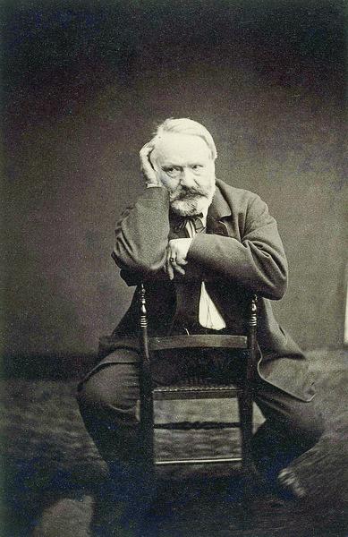 Victor-Hugo-Hauteville-House-Photographie-Edmond-Bacot-1862-Paris-maison-Victor-Hugo_2_1400_600
