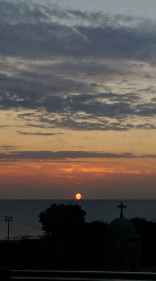 sunrise apt